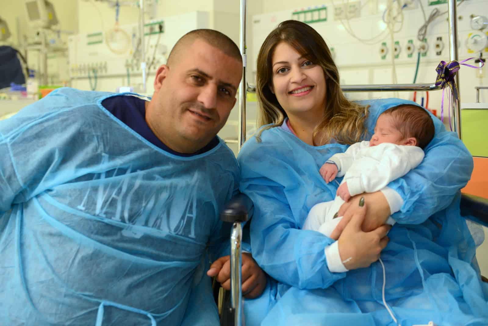 """היולדת החליקה ושברה את האגן. בניתוח משולב רופאי רמב""""ם הצילו את חייה ויילדו את בתה"""