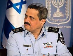 """מפכ""""ל המשטרה ברך את הקצינים והשוטרים המוסלמים :""""צִיאָמָן מַקְבוּלָן וָאִפְטַרָאן הָאנִיָאן"""""""