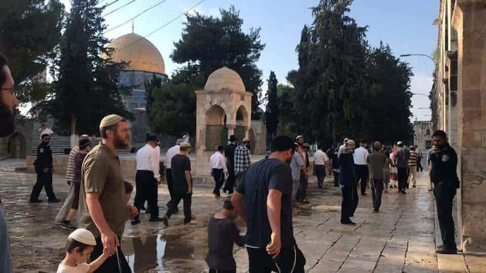 ירושלים: מאות עומדים בתור לעלות להר הבית