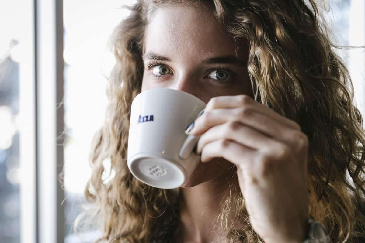 טיפים לטיפוח קיצי מושלם  – בעזרת קפה!
