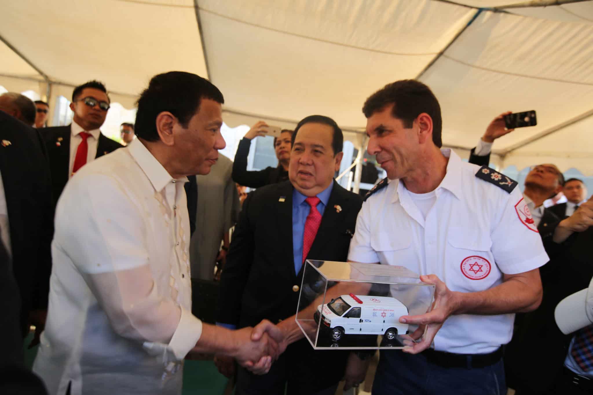 הפיליפינים: מנילה תרושת במערכות ההפעלה של מגן דוד אדום