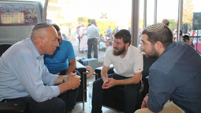 """נצרת עלית : חברת הכנסת חנין זועבי תקפה יו""""ר רשימת האיחוד הלאומי הגיב  """"שלא תטיף לנו על גזענות"""""""