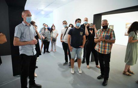 חיפה: ביקור של שר התרבות חילי טרופר