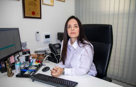 גמלה חודשית קבועה לאישה שנדבקה בקורונה במקום העבודה