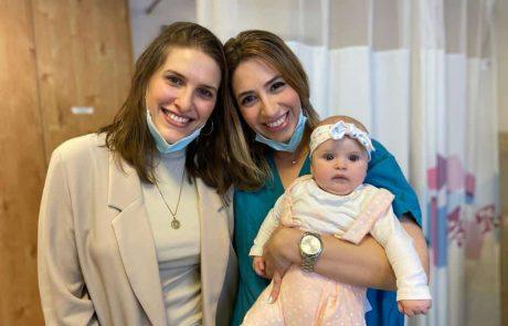 אביה הכפולה: המפגש המרגש בין המיילדת לתינוקת שנקראה על שמה