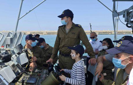 רפאל יותם בן ה-7 הגשים את חלומו להיות רב-חובל בספינת חיל הים