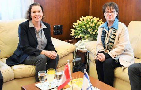 שגרירת קנדה בישראל  היתה אורחת העיר חיפה