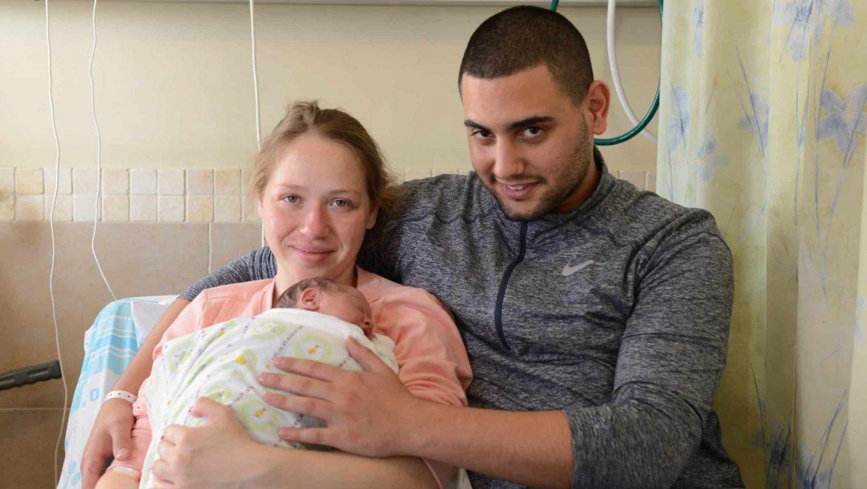 """רמב""""ם: התינוק הראשון של 2019  נולד 7 דקות אחרי חצות"""