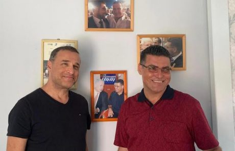 """בכיר השב""""כ לשעבר ליאור אקרמן התארח בביתו של נאיל זועבי בכפר נין"""