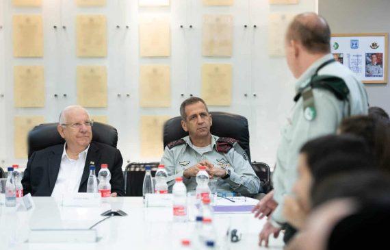 נשיא המדינה ערך היום ביקור מסווג בבסיס יחידה 8200