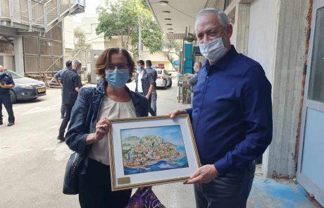 שר הביטחון ביקר בעיריית חיפה