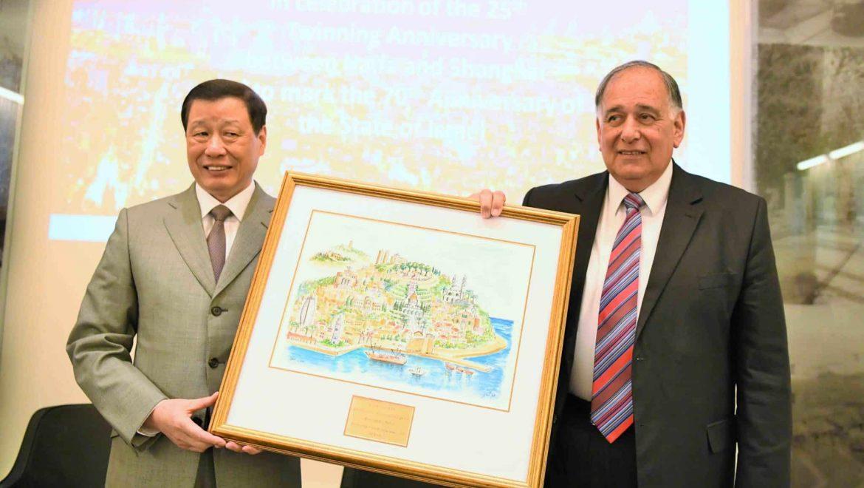 ראש עיריית שנחאי ביקר בחיפה