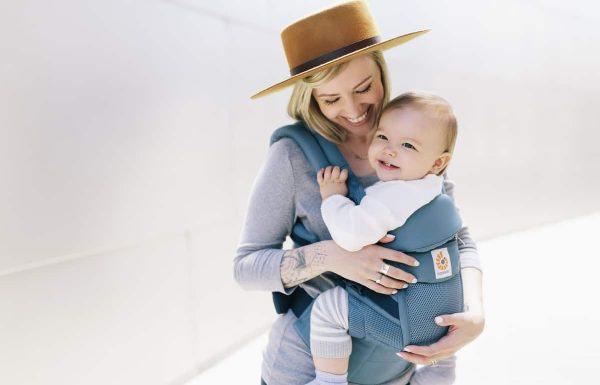 ארגובייבי Ergobaby משיק  קולקציית מנשאי תינוק עד גיל 5 שנים