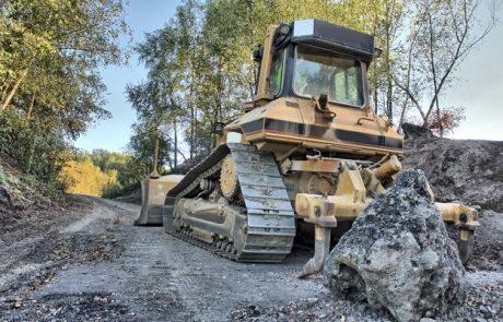 כיצד מבצעים עבודות עפר וסלילת כבישים מורכבות?