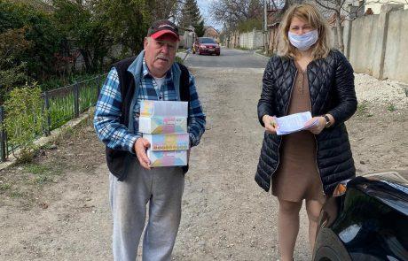 למרות העוצר: פעילי הקהילה במולדובה  חילקו קמחא דפסחא באישור מיוחד