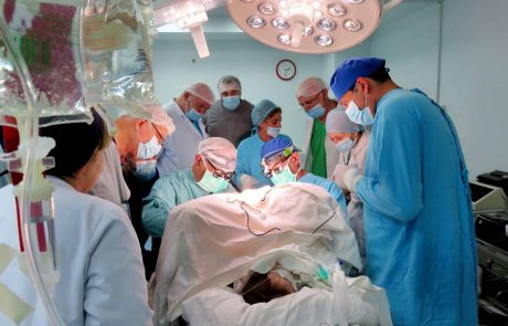 """רופאי רמב""""ם מצילים חיי ילדים בגיאורגיה"""